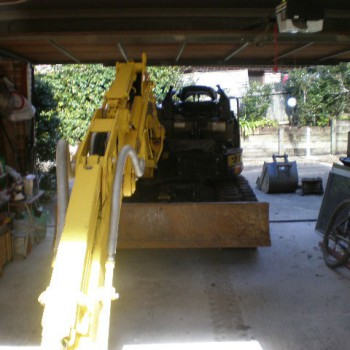 6 Tonne excavator with canopy removed